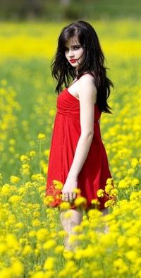 Девушка в платье на аватарку