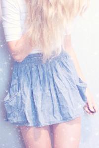 Картинки девушки в юбках на аву