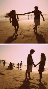 Девушки нна пляже целуются