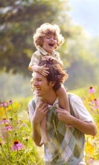 Аватар вконтакте Счастливый отец и его сын на природе