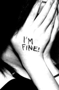 Аватар вконтакте Девушка закрыла лицо руками ('I'm fine!' / 'Я в норме!')