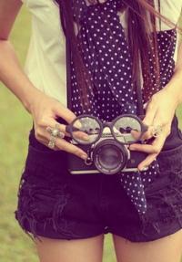Красивые девушки с фотоаппаратом на аву