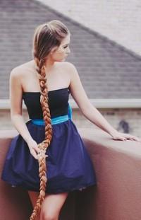 Аватар вконтакте Девушка с длинной косой