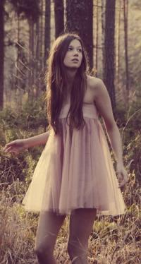Авки девушки в платьях