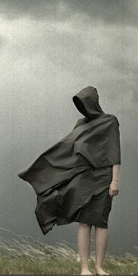Черном платье без лица фото