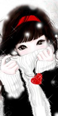 Аватар вконтакте Милая девушка в красном ободочке держит кулончик с красным сердечком в руке и кутается в воротник свитера зимой