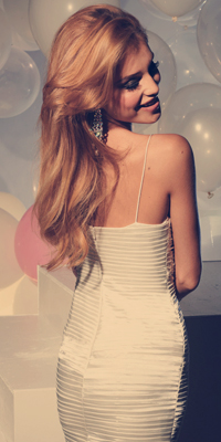 Фото красивые девушки в платьях блондинки