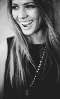 Красивые чёрно белые авки девушек фото 550-344