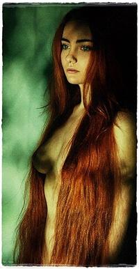 обнаженные с длинными волосами