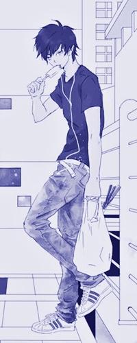 Аватар вконтакте Okumura Rin / Окумура Рин из аниме Синий Экзорцист / Ao no Exorcist / Blue Exorcist стоит на кухне с пакетом в руке и ест мороженное