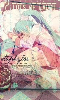 Аватар вконтакте Плачущая вокалоид Мику Хатсуне / vocaloid Hatsune Miku лежит на кровати и обнимает игрушечного розового кролика