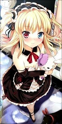 Аватар вконтакте Hasegawa Kobato / Кобато Хасэгава из аниме У меня мало друзей /  Boku wa Tomodachi ga Sukunai обнимает игрушечного кролика и смущается