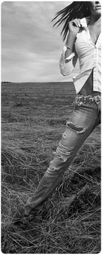 Фото девушек в рваных джинсах без лица фото 470-664