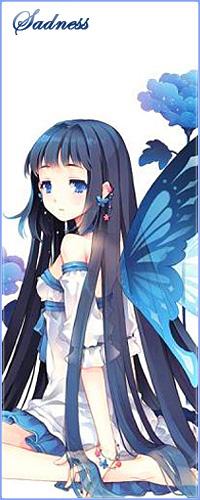 Аватар вконтакте Анимешная голубоглазая девушка с длинным темными волосами, в белом платье с голубыми ленточками и с крыльями бабочки за спиной, сидит среди синих цветов и грустно смотрит куда-то (Sadness / Печаль)