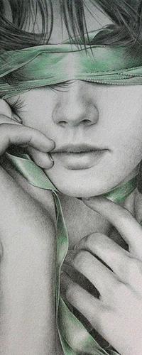 Женщина с завязанными глазами и руками фото онлайн в хорошем hd 1080 качестве фотоография