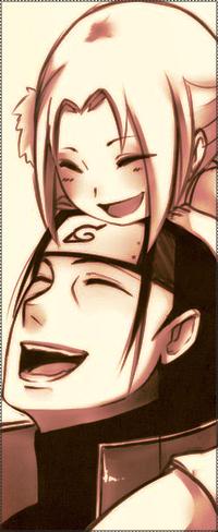 Аватар вконтакте Хаширама Сенжу / Hashirama Senju из аниме Наруто / Naruto держит свою внучку Цунаде Сенжу / Zunade Senju и они улыбаются