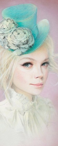 Аватар вконтакте Белокурая девушка в шляпе с цветами