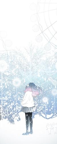 Аватар вконтакте Девушка смотрит вверх, стоя под падающим снегом