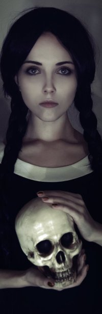 Фото белой черноволосой девочки