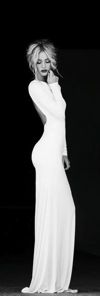 Девочка в платье белом фото