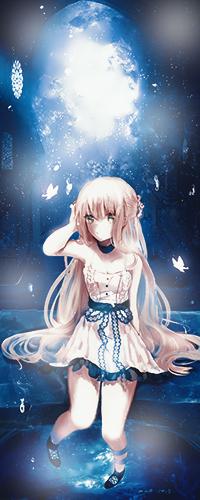 Аватар вконтакте Светловолосая девушка сидит на мосту на фоне ночного неба, придерживая правой рукой волосы