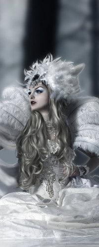 Аватар вконтакте Девушка в красивых украшениях