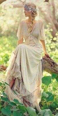 39463e0ff12 Аватар вконтакте Девушка в длинном воздушном платье