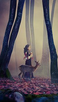 Аватар вконтакте Девочка и олененок идут в тумане по осеннему лесу. Фотограф Caras Ionut