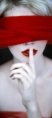 99px.ru аватар Девушка с красной повязкой на глазах