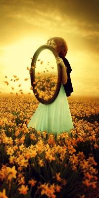 99px.ru аватар Девушка с зеркалом на поле цветов