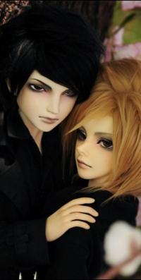Аватар вконтакте Кукольные парень и девушка стоят рядом