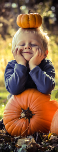 Аватар вконтакте Мальчик с тыквой на голове и у ног, фрагмент работы by LiveArtBreatheArt