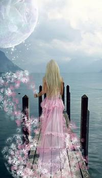 Аватар вконтакте Девушка в розовом платье со шлейфом из цветов стоит на деревянном пирсе любуясь спокойным морем и огромной планетой в облачном небе