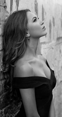 Черно белые фото девушек в черном платье