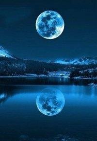 Аватар вконтакте Полная луна отражается в горном озере