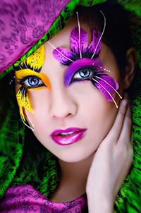 Аватар вконтакте Девушка с красочным макияжем