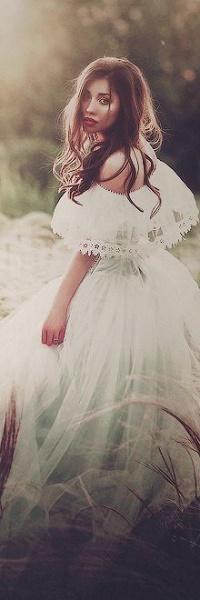 Аватар вконтакте Девушка в пышном платье, фотограф Светлана Беляева