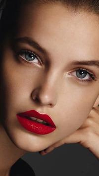 Аватар вконтакте Девушка с сексуальным макияжем смоки айс / smoky eyes, модель Бьянка Балти,