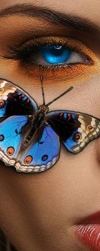 99px.ru аватар Лицо девушки с голубыми глазами и синей бабочкой