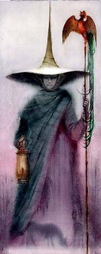 Аватар вконтакте Девушка в огромной шляпе стоит с посохом, на котором сидит сказочная птица с длинным хвостом, и фонарем в другой руке, внизу в тумане возле деревьев пасутся лошади