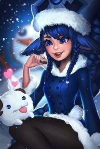 Аватар вконтакте Девушка-эльф в костюме снегурочки со зверьком на коленках