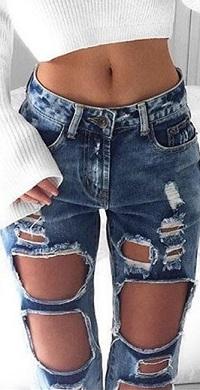 Аватар вконтакте Ноги девушки в рваных джинсах