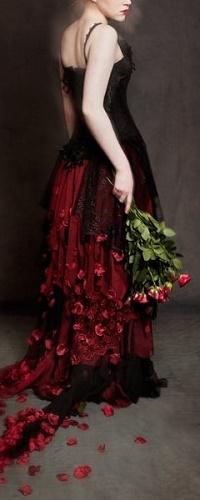 Аватар вконтакте Девушка с букетом роз
