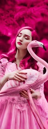 Аватар вконтакте Девушка держит в руках фламинго, фотограф Светлана Беляева