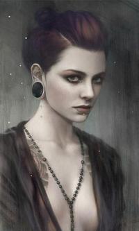 Аватар вконтакте Портрет девушки с тоннелями в ушах и бусами на полуобнаженной груди