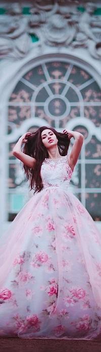 Аватар вконтакте Девушка в красивом длинном платье, фотограф Светлана Беляева