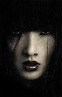 Аватар вконтакте Лицо девушки с черной челкой