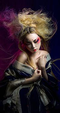 99px.ru аватар Девушка в кимоно с цветными волосами