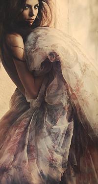 Аватар вконтакте Девушка в пышном платье