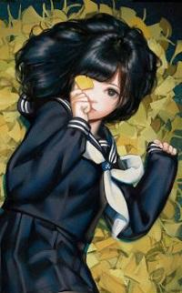 Аватар вконтакте Девочка держит осенний листочек в руке